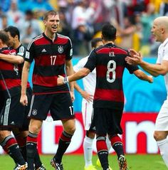 Ozil and Mertesacker happy to be at the top of their group #worldcup