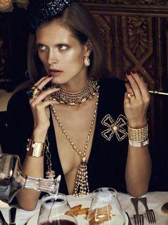 Vogue Paris - Chic Ultime