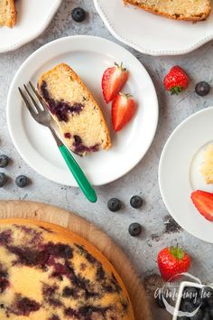 Did you know that you can make really good, tasty cake in the ActiFry? This blueberry cake is delicious with a delicate flavour, bursts of sweet blueberry and an astonishingly light and soft crumb. Baking Recipes, Cake Recipes, Tefal Actifry, Actifry Recipes, Blueberry Cake, No Bake Cake, Tasty, Cooking, Sweet