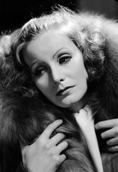 Tumblr Hollywood Cinema, Vintage Hollywood, Hollywood Actresses, Classic Hollywood, Hollywood Icons, Hollywood Stars, Louise Brooks, Josephine Baker, Marlene Dietrich