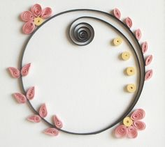 circle quill with flowers  quillingwithfun.blogspot.com Very simple but beautiful.