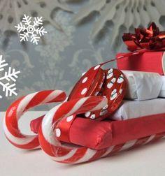 Hand made candy cane sleigh Christmas gift // Édesség szánkók - karácsonyi ajándék cukorpálcákkal // Mindy - craft tutorial collection