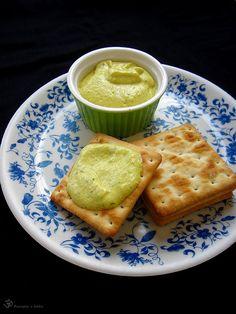 Natierka zo zltych paprik a kesu orechov / Bread spread made of yellow capsicum and cashewnuts