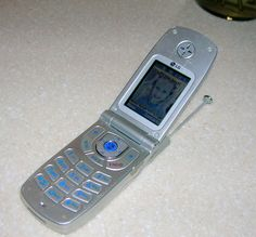phones in the 1990s images | Cell Phones In The 1990s I have a really old cell phone