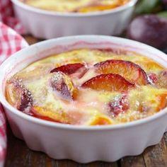 Recette Clafoutis aux prunes, yaourt et miel (facile, rapide)