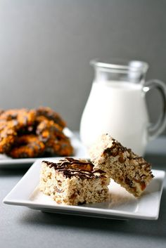Samoa Rice Krispie Treats. Rice Krispies with chopped up Girl Scout Samoas! This sounds delicious!!