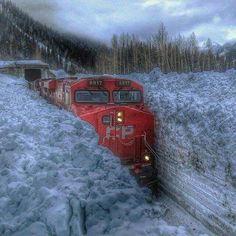 Diesel locomotive pulling train through very deep snow U Bahn Station, Train Station, Train Tracks, Train Rides, Train Pictures, Old Trains, Canada, Winter Scenes, Model Trains
