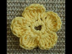 (crochet) How To - Crochet a Simple Flower version 2 - Absolute Beginners - YouTube