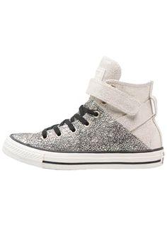 Diese Sneaker rücken dich in den Mittelpunkt der Aufmerksamkeit. Converse CHUCK TAYLOR ALL STAR BREA - Sneaker high - egret/black für 69,95 € (30.05.16) versandkostenfrei bei Zalando bestellen.