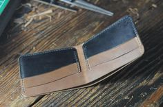 Leathercraft Horween bifold wallet, horsehide Chromexcel - gifts for deer hunters - handmade Australia - thirtyinches.com