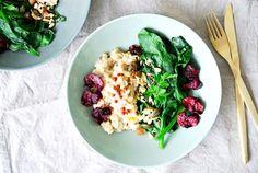 Warmes Frühstück - Haferflocken mit Spinat und Nuss-Crunch! Ein TCM Rezept zum Durchstarten!