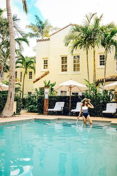 #travelblogger #travel #bloggers #leisure #luxury #fashion #style #styleblogger #vacation #drones #dronestagram #eat #lunch #dinner #breakfast #coffee #sunset #sunrise #views #poolside #thebraziliancourt #hotels #palmbeach #usa #american Wmbw, Eat Lunch, Key Photo, Drones, Palm Beach, Sunrise, Road Trip, Luxury Fashion, Hotels