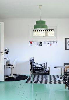 DoreDoris - turkost målat golv