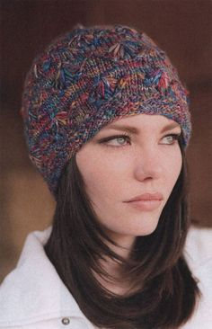 Лето осталось позади с тёплыми и яркими воспоминаниями, впереди осень, а за нею зима, значит пришло время позаботиться о красивой и теплой одежде. Самая актуальная тема - женские вязаные шапки. Именно вязаные шапки является практичным и удобным головным убором.