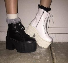 32 Outfit Ideas For Women Indie Outfits, Punk Outfits, Grunge Outfits, Pretty Shoes, Cute Shoes, Me Too Shoes, Aesthetic Shoes, Aesthetic Clothes, Look Fashion