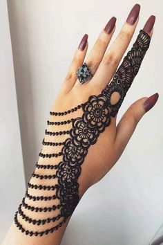 What is a Henna Tattoo? Henna tattoos are becoming very popular, but what precisely are they? Henna Hand Designs, Arabic Bridal Mehndi Designs, Mehndi Designs Finger, Modern Mehndi Designs, Mehndi Designs For Girls, Mehndi Design Pictures, Beautiful Mehndi Design, Mehandi Designs, Tattoo Designs