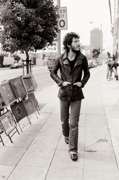 Bruce Springsteen passeggiando per Sunset Strip Los Angeles, 197578 x 57 cm © Terry O'Neill