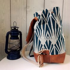 Creation Couture, Drawstring Backpack, Bucket Bag, Backpacks, Cool Stuff, Sewing, Leather, Bags, Country