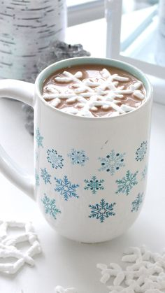 These marshmallows look like little doilies floating on top of your hot chocolate! These would make a beautiful, delicate gift for anybody this winter season!