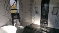 QRCE - Now that's a bathroom... compliments to the client for her great design ideas.
