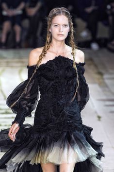 Alexander McQueen Spring 2011-pin it by #carden
