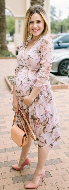 Floral Dress   Blush Dress   Maternity Style   Maternity Fashion   Uptown with Elly Brown