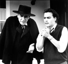 Martin Landau playing Bela Lugosi, left, with Johnny Depp in Ed Wood, directed by Tim Burton. Young Johnny Depp, Johnny Depp Movies, George Clooney, Ed Wood Movie, Junger Johnny Depp, Photo Ed, Crimes And Misdemeanors, Touchstone Pictures, Best Supporting Actor
