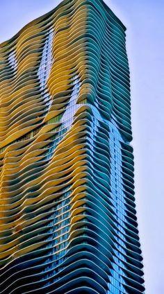Jeanne Gang's Aqua Building- Chicago, Illinois : MacCarthur # Bodegas #ArrendamosBodegas #BodegasYlotes