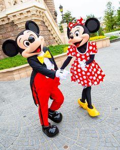 ミキミニ溺愛さんはInstagramを利用しています:「ミッキー、ミニーちゃんお誕生日おめでとう!✨ いつも幸せにしてくれる2人に感謝です💕 ・ ・ #ディズニーランド  #東京ディズニーランド  #東京ディズニーリゾート #ディズニー写真部 #ディズニーカメラ隊 #disney写真部  #disneyカメラ隊…」 Disney Mouse, Mickey Minnie Mouse, Disney Frozen, Disney Mickey, Tokyo Disneyland, Disneyland Resort, Disney College, Disney Parks, Minnie Mouse Pictures