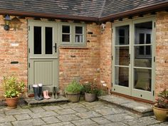 Stable door and French doors Timber Front Door, Green Front Doors, Front Doors With Windows, Timber Windows, Double Front Doors, Front Door Entrance, Front Entry, Grey Windows, Entrance Halls