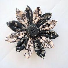 Dreamstar Diary: Handmade Monday Week 11 - The Kanzashi Fabric Flower Cloth Flowers, Burlap Flowers, Felt Flowers, Diy Flowers, Fabric Flowers, Paper Flowers, Tie Crafts, Baby Crafts, Fabric Crafts