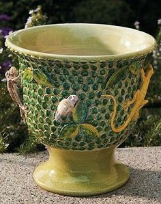 Ideal for holding your favorite botanicals or as a decorative accent in your home, the Lucertola Cachepot is hand-painted handmade in Italy and is sure to become a focal point in your home.
