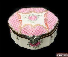 Antique porcelain di paris