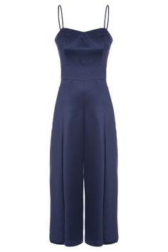 Macacao-Pantacourt-Ilhos-Maria-Filo---Azul Business Fashion, Boiler Suit, Moda Fashion, Tulum, Jumpsuits, Ideias Fashion, Overalls, Feminine, Chic