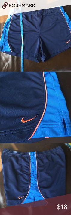 Nike shorts Navy blue and orange shirt from Nike. Size L Nike Shorts