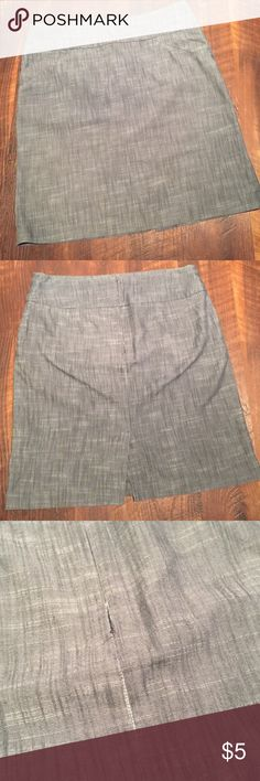 Grey Denim Like Skirt A grey Larry Levine skirt with a little stretch to it. It's 23 1/2 inches long and a size 14. Some of the stitch on the zipper is coming loose but it's still a very sturdy skirt Larry Levine Skirts Pencil
