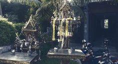Artikel über Geisterglaube in Thailand | Gute und böse Geister | Arten von Geistern | Geisterhäuschen | Opfergaben | Schutz vor Geistern | Verhaltensregeln
