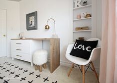 Teen Girl Bedrooms outline - Terrifically nice teen room decor tips and help. For other styling knowledge please stop by the webpage this instant Blue Teen Girl Bedroom, Bedroom Decor For Teen Girls, Teenage Girl Bedrooms, Girl Bedroom Designs, Girl Room, Teen Bedroom Makeover, Teen Rooms, Bedroom Desk, Home Decor Bedroom