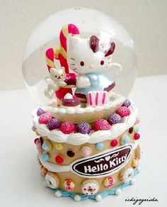 kitty snowglobe