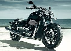 2011 Triumph Thunderbird Storm specification, accessories, picture ...