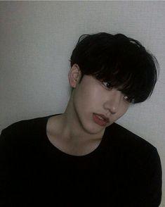 𝕽𝖚𝖎` 涙 on We Heart It Korean Boys Hot, Korean Boys Ulzzang, Ulzzang Boy, Korean Men, Korean Style, Cute Asian Guys, Asian Boys, Asian Men, Cute Guys