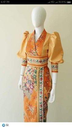 Modern Hijab Fashion, Batik Fashion, Traditional Dresses Designs, Traditional Fashion, Fashion Capsule, Fashion Outfits, Modern Filipiniana Gown, Dress Design Patterns, Thailand Fashion