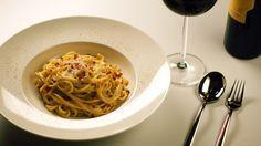 O primeiro site italiano feito para brasileiros que dá dicas de harmonização de vinhos com os mais famosos pratos italianos como a massa à carbonara.
