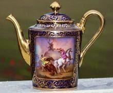 Servir el té. . .