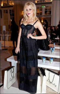 Pixie Lott wearing the ALICE by Temperley Fox Skirt from the Cruise 14 collection #TemperleyLFW