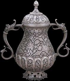 Antique Silver Vase, Kashmir, India - Michael Backman Ltd Antique Metal, Antique Silver, Art Chinois, Silver Teapot, Silver Ornaments, Art Japonais, Historical Art, Art Object, Kashmir India