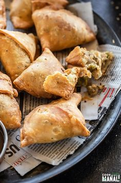 Crispy, flaky Samosa is the perfect appetizer for any celebration. Filled with a spicy potato filling, this Samosa is also vegan! #indian #samosa #appetizer Indian Food Recipes, Asian Recipes, Vegetarian Recipes, Cooking Recipes, Curry Recipes, Snacks Recipes, Bread Recipes, Empanadas Recipe, Best Samosa Dough Recipe