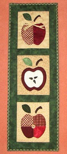 Camino de mesa trío de manzanas
