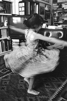"""Ferdinando Scianna ITALY. Milan. """"Nana dancing"""" 1998."""