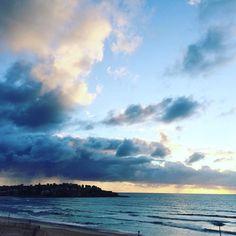 M O N D A Y #bondi #bondibeach #bondisunrise #beach #sea #surf #surfing #sand #sunrise #spring by aprillaq http://ift.tt/1KBxVYg